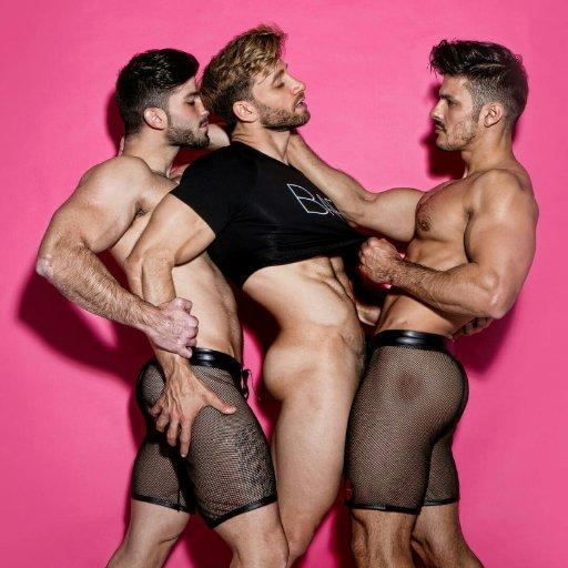Hombres desnudos gays