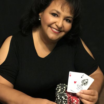 ♠️ ♥ Lupe Soto ♦️ ♣️ (@PokerLupe) Twitter profile photo
