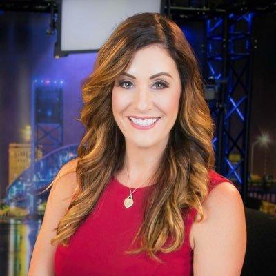 Allison Hollander (@alliemcdeal) Twitter profile photo