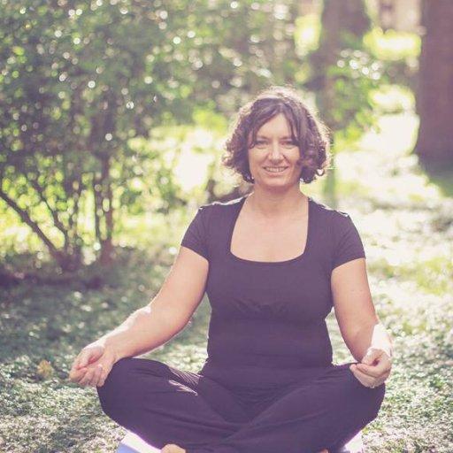 Aruna Yoga with Laura Wynne
