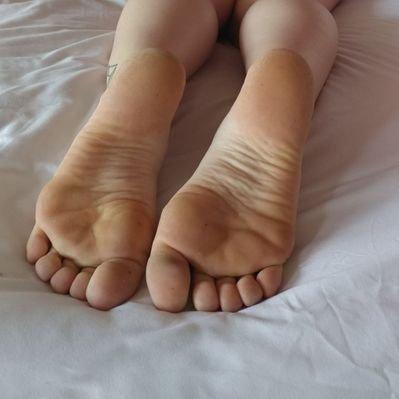 Ass feet