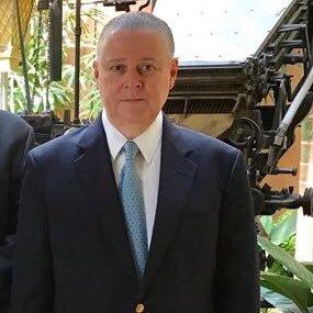 Roberto J Arguello