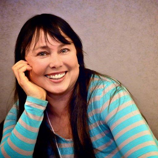 Lynette Louise