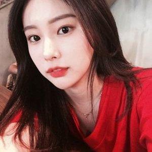 """Kang Hyewon on Twitter: """"180914 [RUMOR] #IZONE Debut Album ..."""