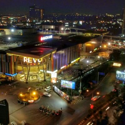 REVO Town ( REVOTown)  552e7bb737