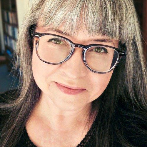 Dr. Liz Hardy 👓