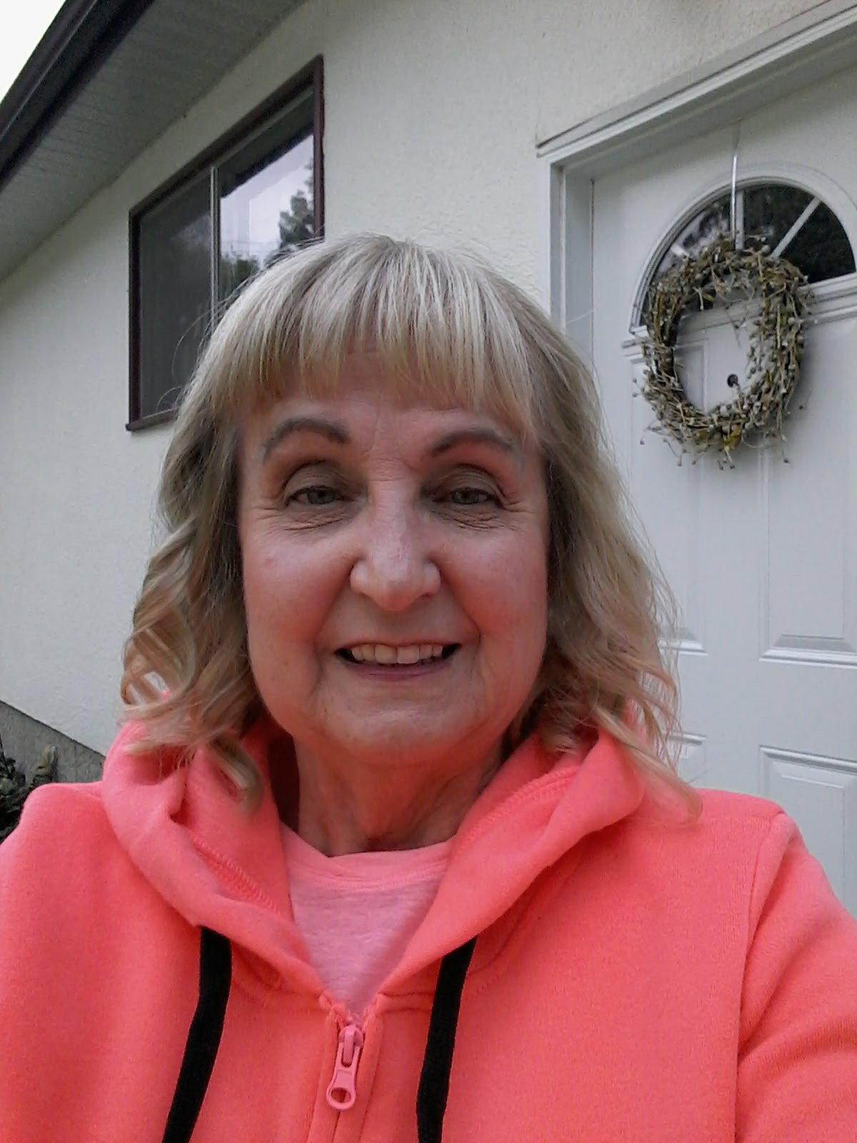 Lynne Roberts Lynne Roberts new photo