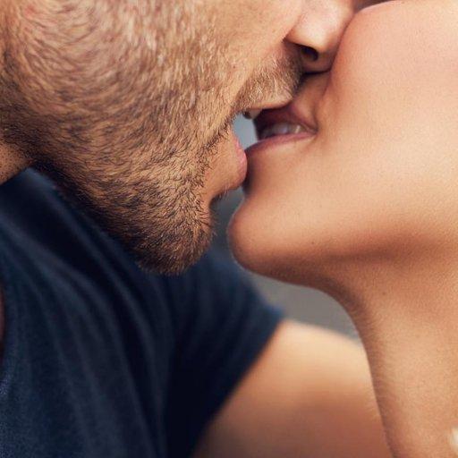 Hotkisschannel On Twitter Hotkissing Kissing