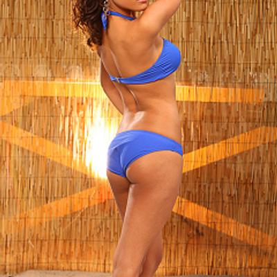 vanessa-williams-in-bikini-nude-male-beer-pong