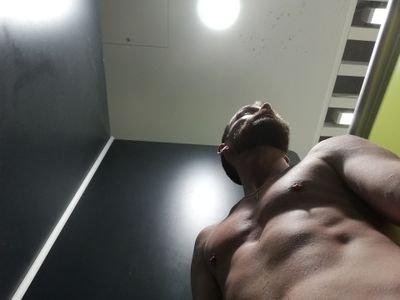 Nudist fitness