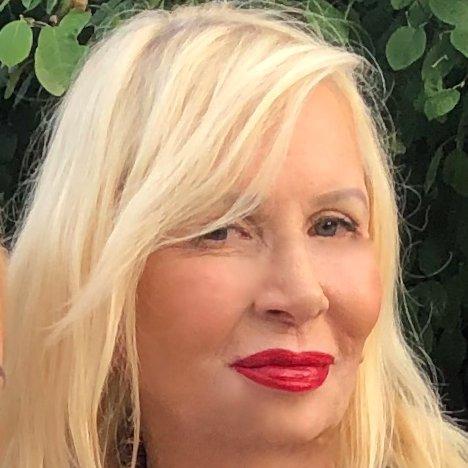 Dr. Karyne Messina