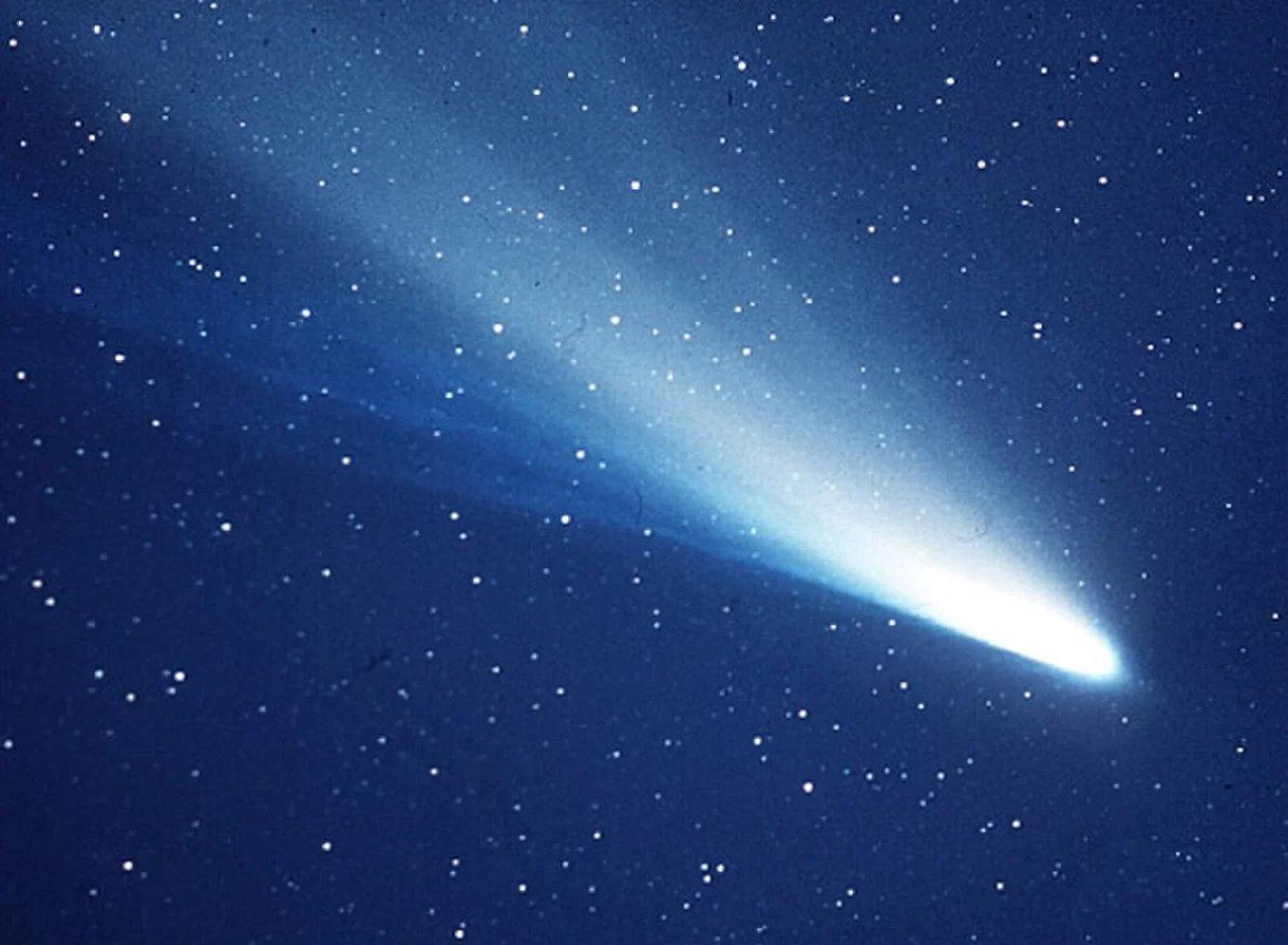 Nguồn gốc và đặc điểm của sao chổi