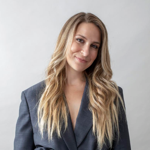 CEO of @thedipp, founding EIC @Bustle Digital Group, member of Forbes' 30 Under 30, and 'Rock of Love' historian. Clubhouse: @_kateward; IG:@itskateward