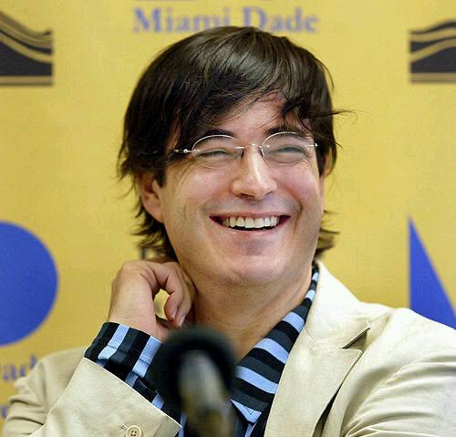 Jaime Bayly Baylyofficial Twitter A student of a local prestigious school, bayly never achieved good grades. jaime bayly baylyofficial twitter