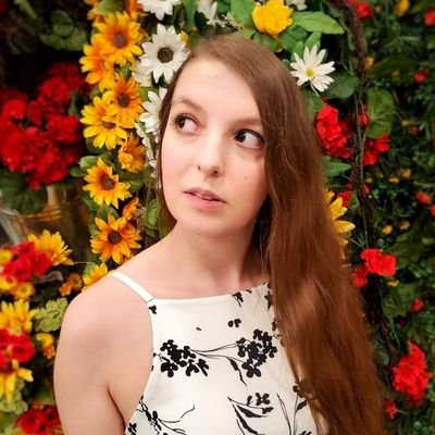 Lizzy Hofe (@PrincessRizu) Twitter profile photo