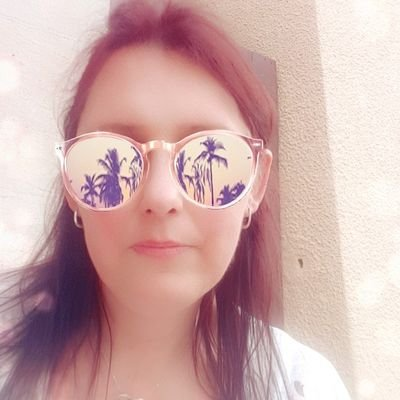 HelenW ⓥ (@HelsJustChillin) Twitter profile photo