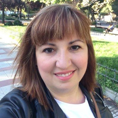 Laura Azcutia