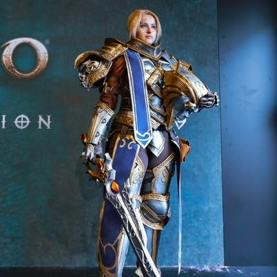 Azure Cosplay On Twitter King Anduin Wrynn In Front Of Lordaeron S Gates Stand As One For The Alliance Thank You Amarhaak For This Amazing Picture Of My Costume Battleforazeroth