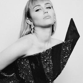 Miley Ray Cyrus'ın Twitter Profil Fotoğrafı