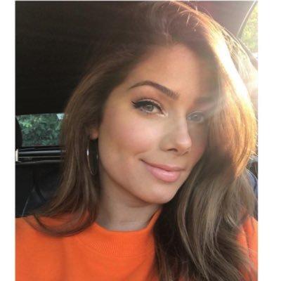 @NikkiSanderson