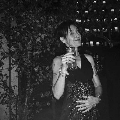 Lisa Lewis (@LisaLewisWilts) Twitter profile photo