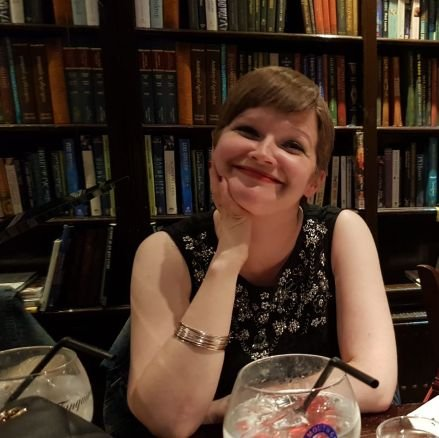 Lindsay Dickinson (@L1nds )