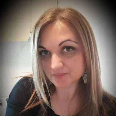Marina G On Twitter Blic Online Sve Je U Redu Sa Kolenom Novak Ponovo Trenira Http T Co Ew8uc6v Via Blic Online
