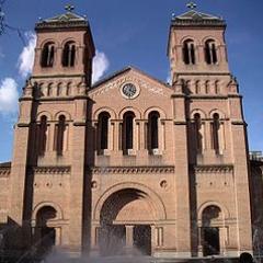 Reloj de la Catedral de Medellín