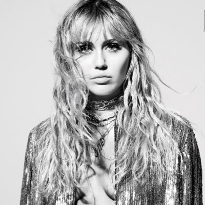 Miley Ray Cyrus's Twitter Profile Picture