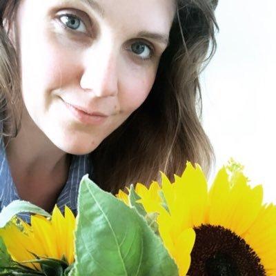 Victoria Newby (@vixinewb23 )