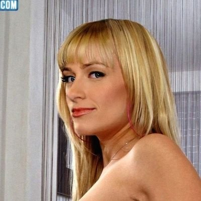 Beth behrs pussy