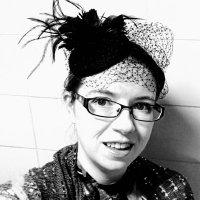 Laura (@blacklaceknits) Twitter profile photo