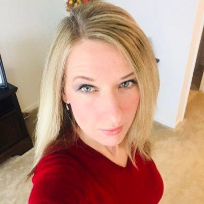 Delores Durko (@Deelo444) Twitter profile photo