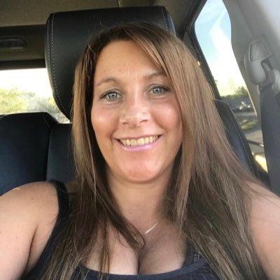 Laura Thomas (@8027882658i) Twitter profile photo