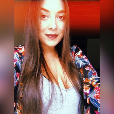Nina Villegas (@NinaVillegas3) Twitter profile photo