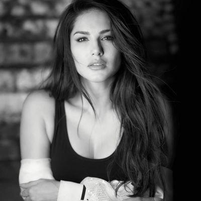 Sunny Leone (@SunnyLeone) Twitter profile photo