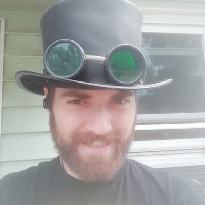(he/him) polyamorous, kinky, D&D player/DM, atheist