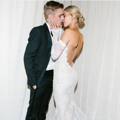 Here to support Justin & Hailey. They're such a beautiful couple inside and out ❤️❤️ Been supporting Justin since 2009 🇨🇦