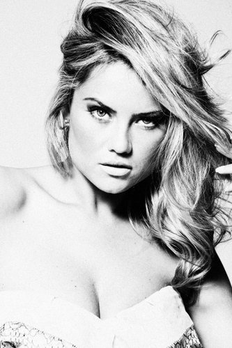 Ellen Rocche Nude Photos 4