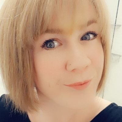 Laura Smith (@LauraSm19996460) Twitter profile photo