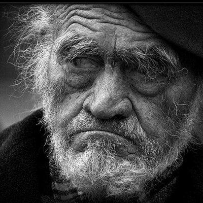 Со старым дедом