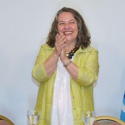 Valeria  Saunders