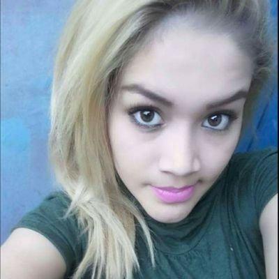 Carla Beatriz Twitterissa Chica Hermosa Vendiendo Pack Videos