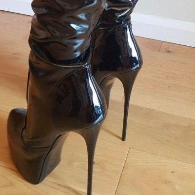 Belinda Leather