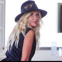 Wendy Hope (@HopeHeck) Twitter profile photo