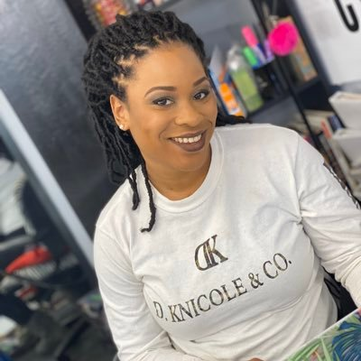 Owner of @mamakees_kitchen 🍴 Manager of @beatschoolofmakeupartistry 💋 Naturalist 🍍Pisces ♓️ KLM😇       God gave me a purpose,long before you had an opinion.