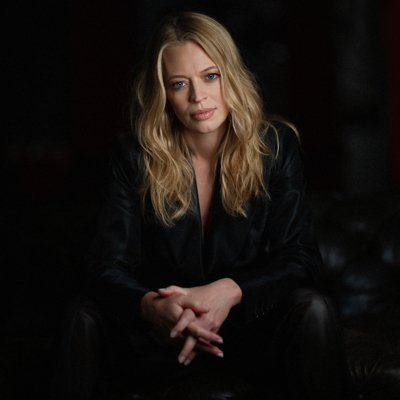 Jeri Ryan (@JeriLRyan) Twitter profile photo