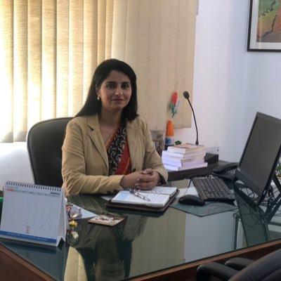 Divya Kapoor (@Kapoor_Divya_) Twitter profile photo
