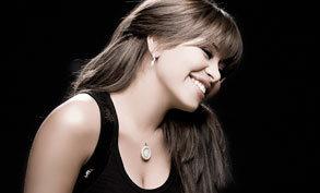 Sherine Abdel Wahab - Oyoun El Alb - Live Concert in Dubai 2009 ...