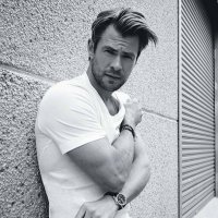 Chris Hemsworth's Photos in @chrishemsworth Twitter Account
